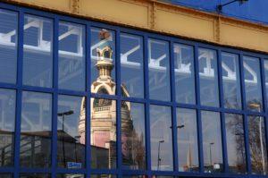 Reflet de la tour LU Lieu Unique équipement culturel © Régis Routier | Ville de Nantes